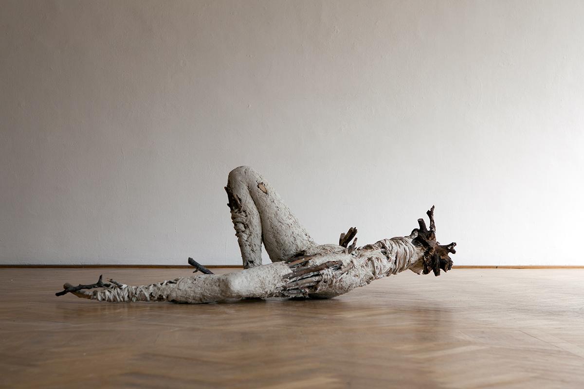 KörperGebilde, 70cm x 61cm x 220cm, plaster, textil, wood, 2013