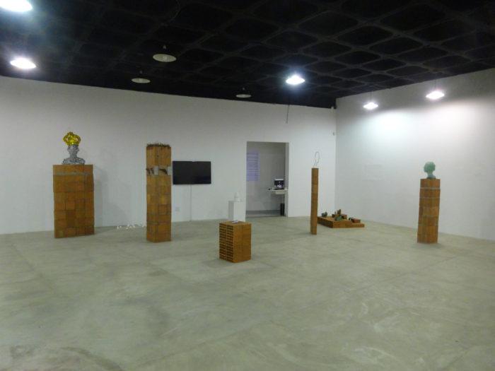 Bianka Mieskes-fragil-die dünne Haut der Zivilisation-Gesamtansicht Installation
